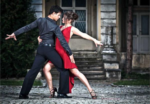 Как похудеть без таскания «железа»? Школа латиноамериканских танцев