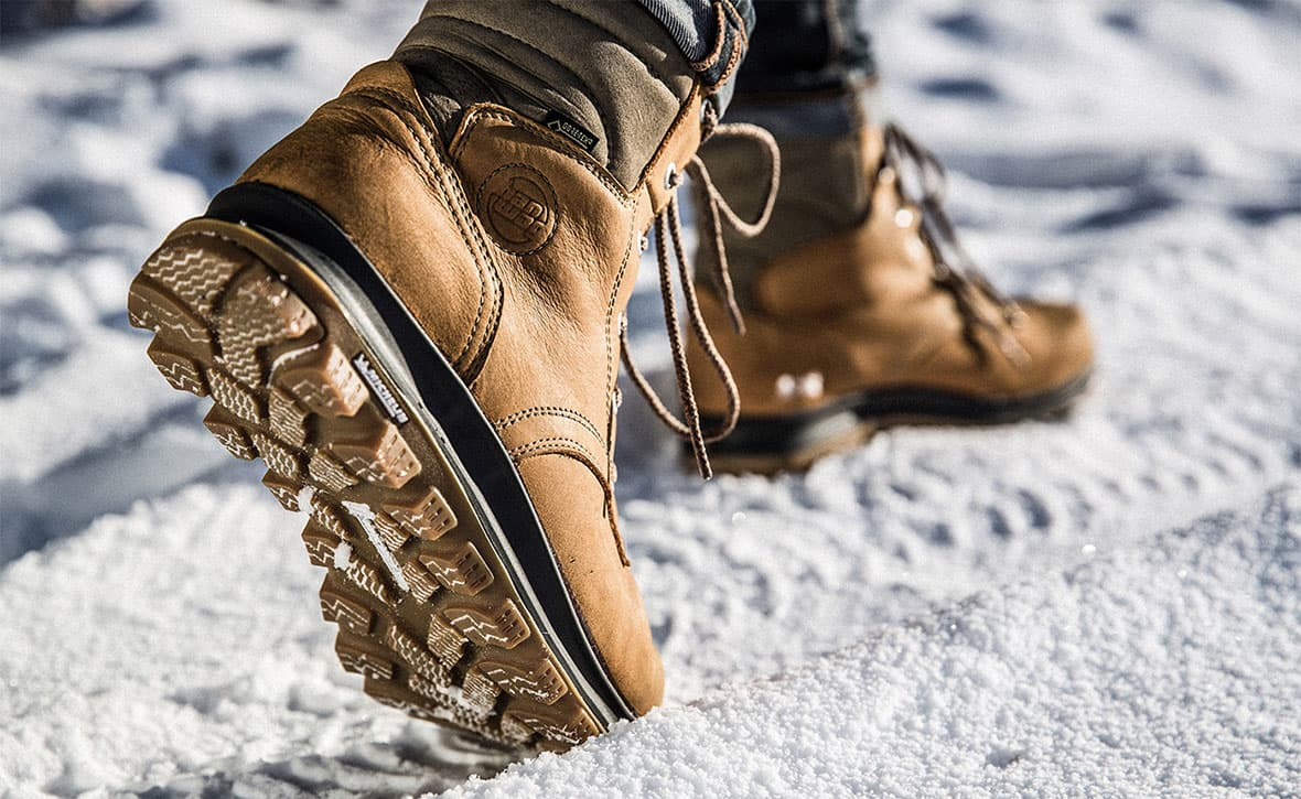 Массивные зимние сапоги
