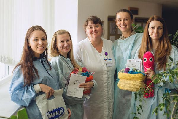Специалисты и волонтеры «Бейби Стори» посетили отделение недоношенных детей