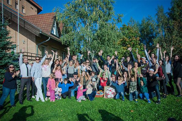 В Минске стартовала необычная благотворительная акция ко Дню матери