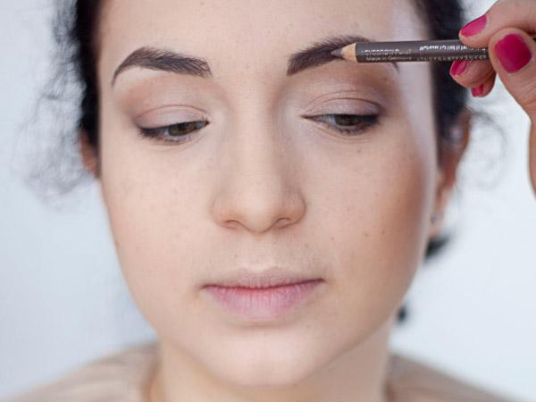 Как маркером рисовать брови