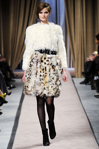 Giambattista Valli (������������ �����). ��������� ����� 2010 �� ������� ����� � ������� DIVA.BY