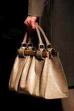Модные сумки весна-лето 2012 в изобилии были представлены.