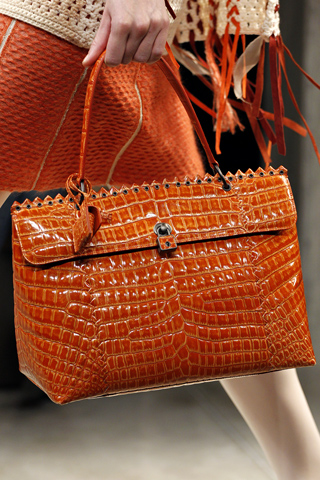 яркие сумки 2012