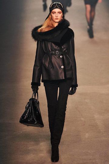 ...и большие сумки, клатчи от HERMES коллекции осень-зима 2009-2010.