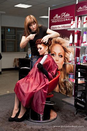 Выставка «ИнтерСтиль 2010» на Портале DiVA.BY. День 3-й. Стенд компании Mon Platin, мастер-класс по парикмахерскому искусству
