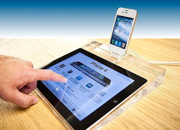 """В Apple Store 2.0 iPad 2 заменил бумажные ценники. SanDisk выпустила """""""