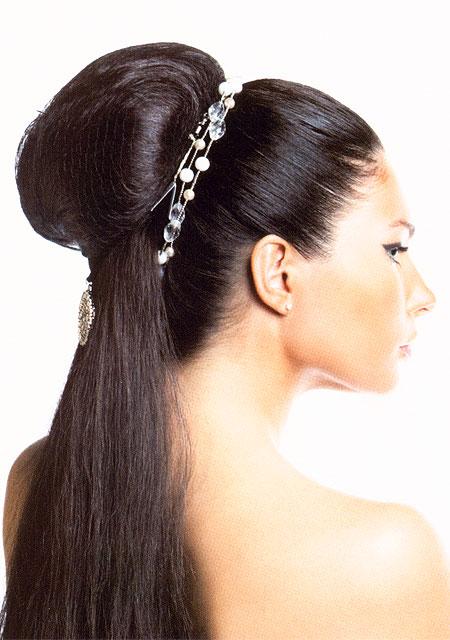 Прически на длинные волосы брюнеткам