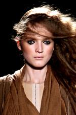 Тенденции в макияже. Сезон весна-лето 2010. A.F. Vandevorst