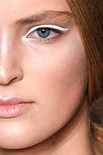 Тенденции в макияже. Сезон весна-лето 2010. Donna Karan