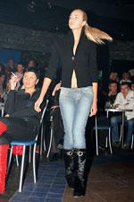 """...в джинсах фото """": 27 активная фотография... девушки в одежде фото."""