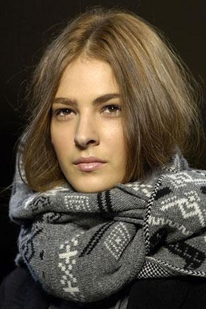 Вязание.  Вязаная одежда. шарфы с узорами из ананасов.