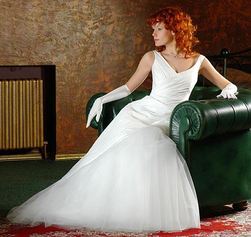 Ляпис белое платье