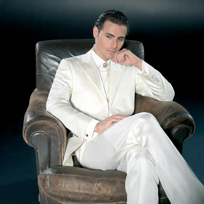 Описание: Мужской костюм Pat MASEDA.