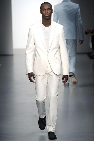 мужской свадебный костюм.
