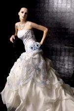 10802 Свадебная накидка с манжетами, белая.  Оригинальная модель накидки...