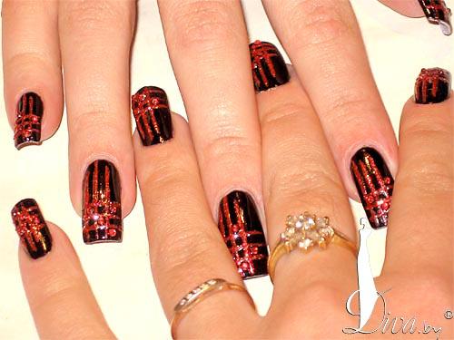 Дизайн ногтей черно красные с золотом